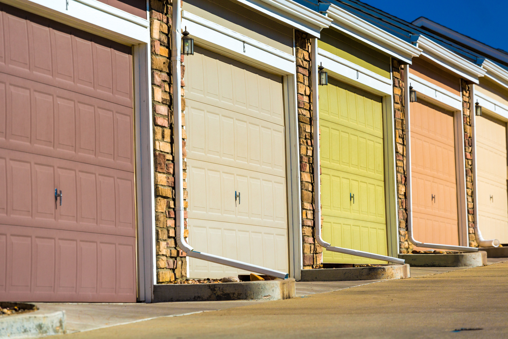factors garage door color choice