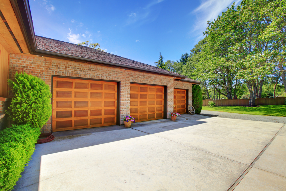 insurance covers garage repairs